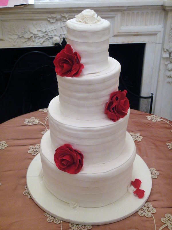 A collection of elegant and traditional wedding cakes Elegant Wedding Cakes